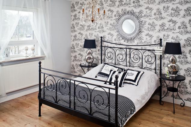 Zobacz galerię zdjęć Sypialnia w stylu glamour z metalowym łóżkiem  Stronywnętrza.pl